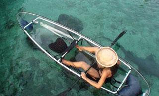 クラブメッド石垣島(カビラ) クリアカヤックは底が透明なので海の中が透き通って見える