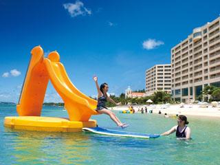 リザンシーパークホテル谷茶ベイ ビーチでは色々楽しめるアクティビティー満載!!