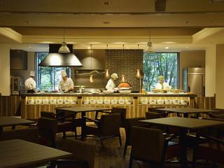 定山渓万世閣ホテルミリオーネ ライブキッチンで、できたての美味しさをお楽しみください
