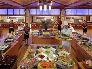 湯の杜ホテル志戸平 4ヶ所のオープンキッチン。「出来たて」「あつあつ」にこだわるバイキング専用会場