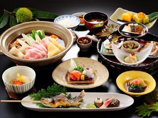 生寿苑 山のごちそうのコンセプトのもと「おもてなし料理」「上州牛料理」の2種類をご用意