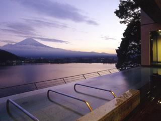 風のテラスKUKUNA(くくな) 天空に浮かぶ露天風呂