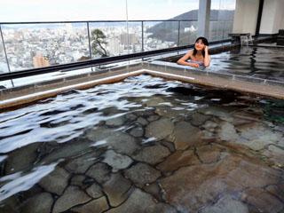 喜代美山荘 花樹海(2019年4月1日より:夕凪の湯 HOTEL花樹海) 高松初の天然温泉で絶景の屋上展望大浴場
