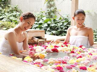 ことひら温泉琴参閣 女性にとても人気のバラ風呂
