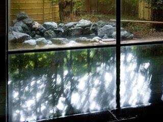 山翠楼 岩風呂の露天がついた大浴場