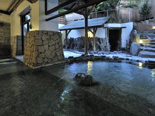 箱根花紋 湯巡り多種のお湯が楽しめる大浴場