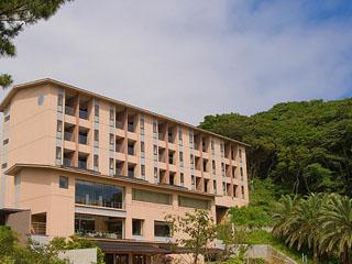 壷中の天宿○文 2006年グランドオープンで、全室露天風呂付となっております。客室・お風呂・ロビー・レストランより弓ヶ浜海岸が一望出来ます。