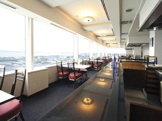 横浜テクノタワーホテル 東京湾から房総、三浦半島までのパノラマを望む落ち着いた大人のレストラン「八景」