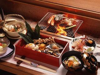 海游能登の庄 能登の味覚を炭火で楽しむ囲炉裏会席料理