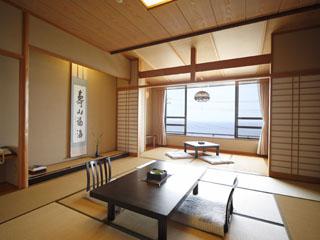 海游能登の庄 海側に大きく窓を取った明るい和室