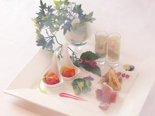 星野リゾート リゾナーレ トマム 雲ガールステイプラン 雲ディナー 前菜(トマム雲海タパス)