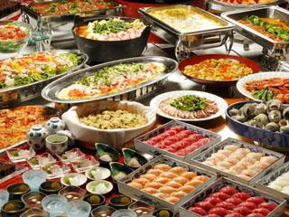 熱海金城館 選べる夕食プラン。和洋中約50品目のバイキング