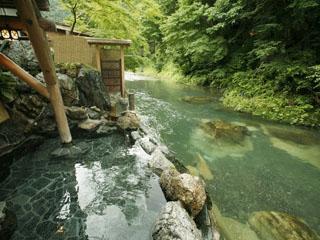 本家伴久 疲労回復やつるつる肌を即実感できる美肌効果の高い温泉