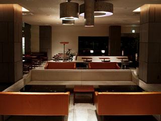 CLASKA カジュアルで美味しい料理を提供するダイニング&カフェ