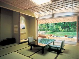日本の建築美を極めたおもてなしの空間が広がる
