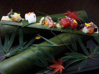 季節の瞬間を表現する五感で感じる麗しい品々の懐石料理