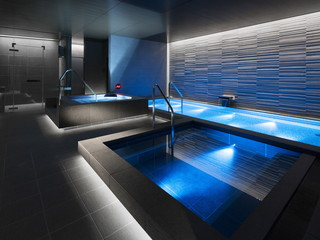 東京ステーションホテル 良質な人工温泉や人工炭酸泉、ドライサウナ、スチームサウナなど、くつろぎの施設を完備