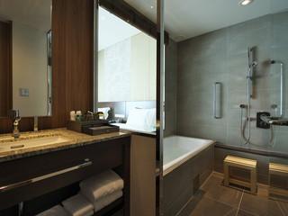 大阪マリオット都ホテル 浴槽と洗い場が別々の日本式を採用したバスルーム