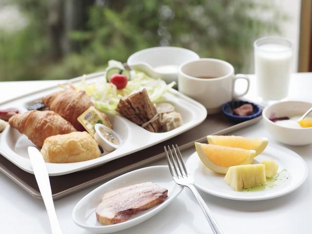 ナチュラルリゾートニセコワイスホテル 朝食は日替わりのビュッフェです