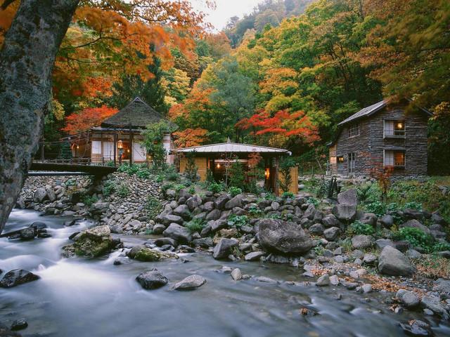 ランプの宿青荷温泉 四季それぞれ訪れるほどに青荷の深みを味わえます