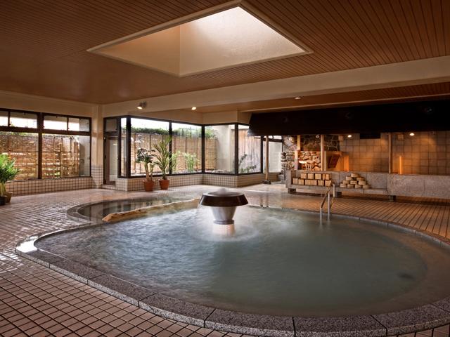 愛真館 広々とした大浴場は、2011年にリニューアル