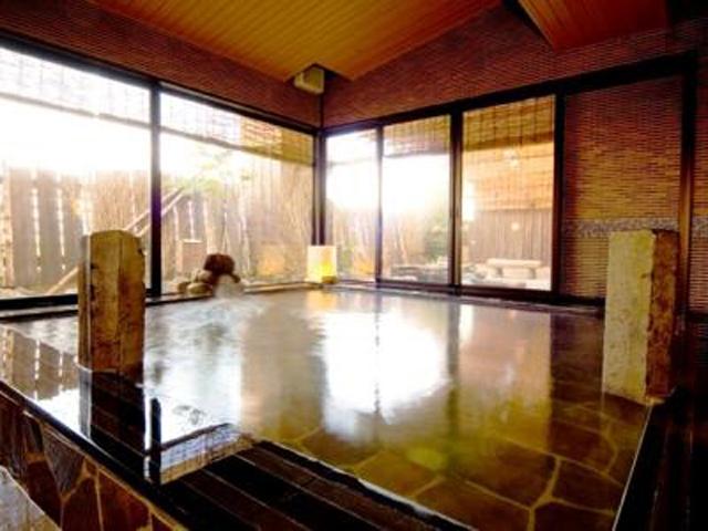 中通温泉 こまちの湯 ドーミーイン秋田 ぬめりのある泉質で肌にしみこむ天然温泉「こまちの湯」