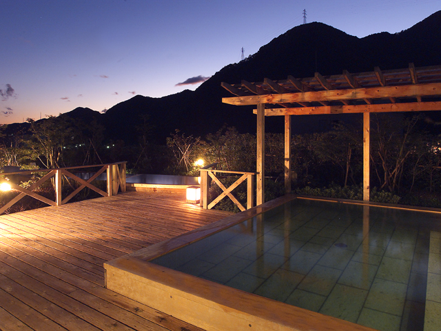 空中庭園露天風呂「昇龍の湯」