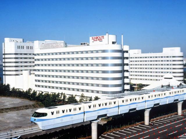 ホテルのとなりは東京ディズニーランド®パーク