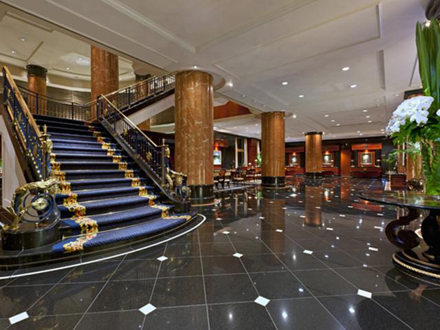 ウェスティンホテル東京 現代的な雰囲気を持つ、ヨーロピアンスタイルのロビー