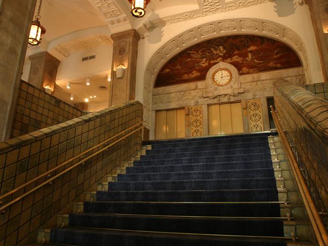 ホテルニューグランド ロビー・階段