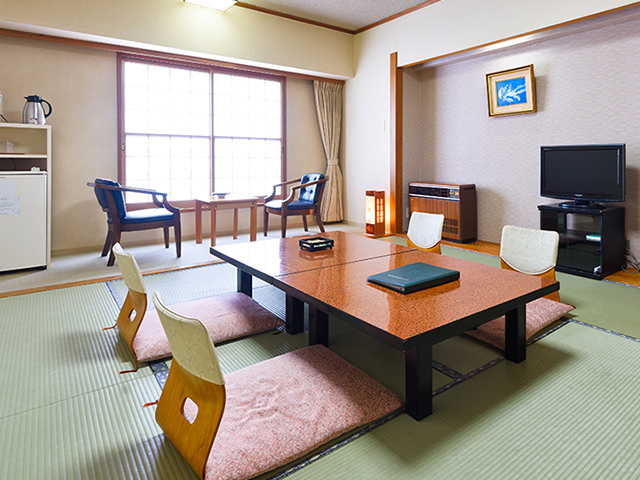 湯沢ニューオータニ 落ち着いた趣の和室10畳