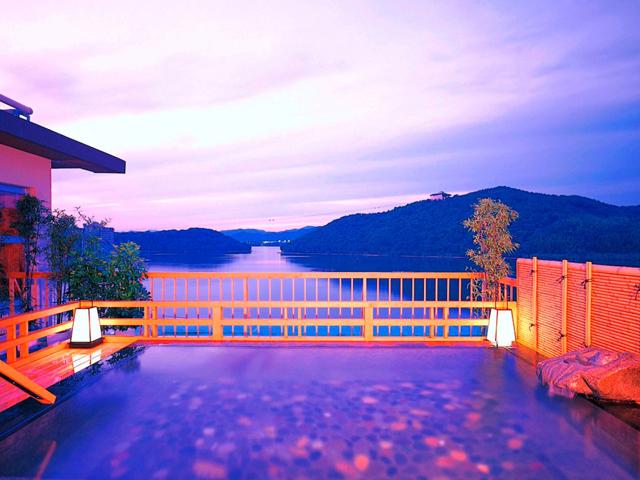 ホテル鞠水亭 浜名湖の一望する露天風呂「星のせせらぎ」