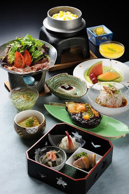ホテル鞠水亭 旬の野菜を中心に、手造りのお料理をご用意いたします