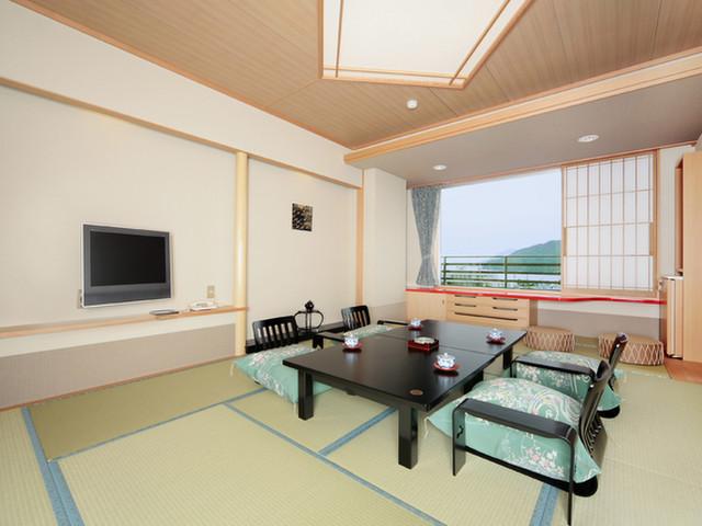 戸田家 鳥羽湾を一望できる客室