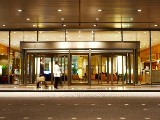 JR大阪駅前のベストロケーションホテル