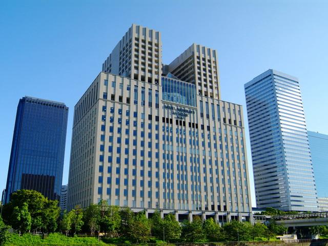 ホテルモントレ ラ・スール大阪 アメリカンアールデコのデザインが目を引くホテル外観