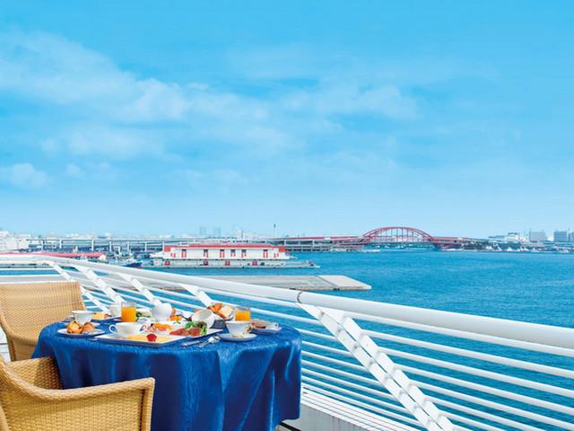 神戸メリケンパークオリエンタルホテル 全客室にはバルコニーがあり、水平線や神戸の街を一望