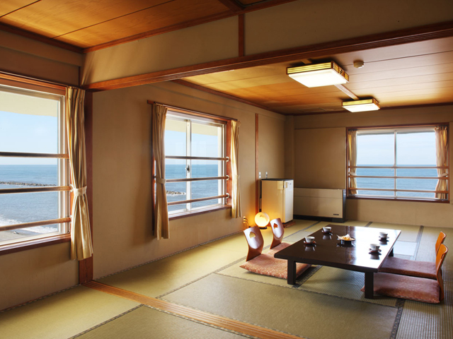 ゆうなみの宿瀬波ビューホテル 日本海の雄大な夕日をすべてのお部屋から