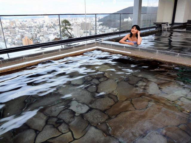 喜代美山荘 花樹海 高松初の天然温泉で絶景の屋上展望大浴場