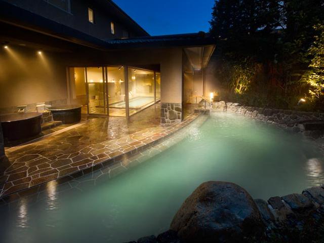 箱根翡翠 大浴場「たまゆら」で、2種類の温泉をお愉しみ下さい