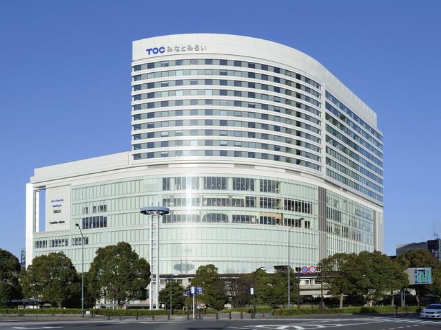 ニューオータニイン横浜プレミアム 大きく円弧を描く外観は、横浜に寄港する外国船のよう