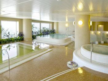 札幌駅地下より湧き出した天然温泉を使用したスカイリゾートスパ「プラウブラン」