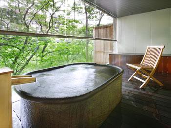 鬼怒川沿いの半露天付貸切風呂「鬼怒の湯」
