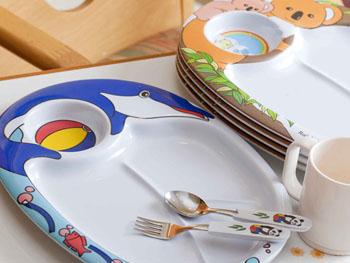レストランにて使用できる子ども用食器類
