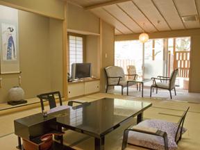 花の宿松や のんびりくつろいでは露天風呂に入る贅沢が味わえる露天風呂付客室