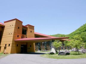 中禅寺金谷ホテル ロッジ風の外観が目を引く中禅寺金谷ホテル