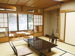箱根湯本ホテル クラシカルな空間が広がる特別室