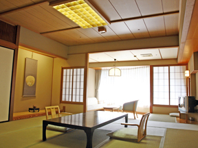 ホテル河鹿荘 客室も露天風呂もゆったり広々、広がりあるスペースに大満足