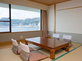 鴨川ホテル三日月 小湊港から太平洋まで一望のオーシャンビュー