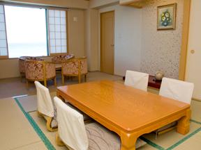 龍宮城スパ・ホテル三日月 リビングがついた特別室